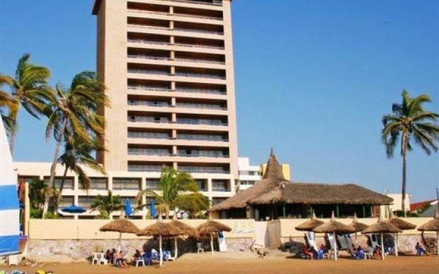 Acqua Grand Hotel вид на фасад