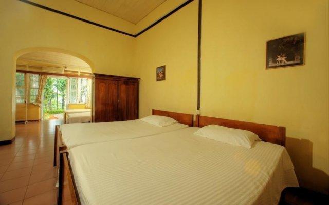 Отель The Bungalow at Pantiya Estate комната для гостей
