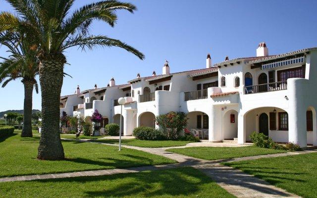 Отель Apartamentos Son Bou Gardens