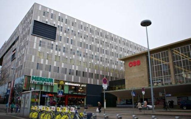 Апартаменты Debo Apartments Westbahnhof вид на фасад