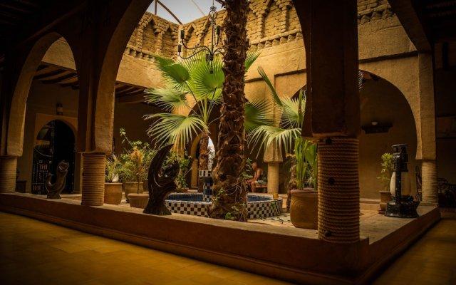 Отель Kasbah Mohayut Марокко, Мерзуга - отзывы, цены и фото номеров - забронировать отель Kasbah Mohayut онлайн вид на фасад