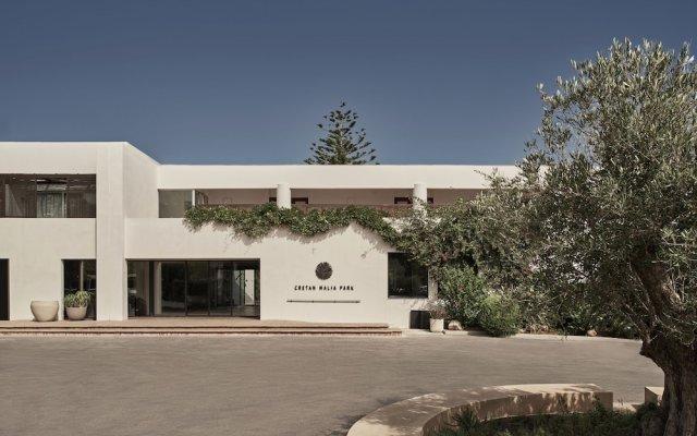 Отель Cretan Malia Park вид на фасад