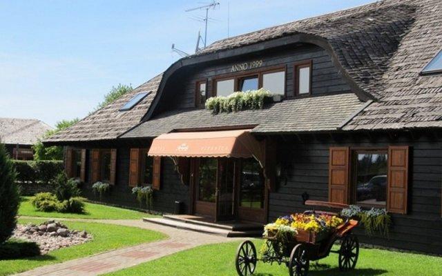 Aparjods Hotel & Restaurant