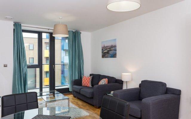 Отель 2 Bedroom Flat With Free Wifi комната для гостей