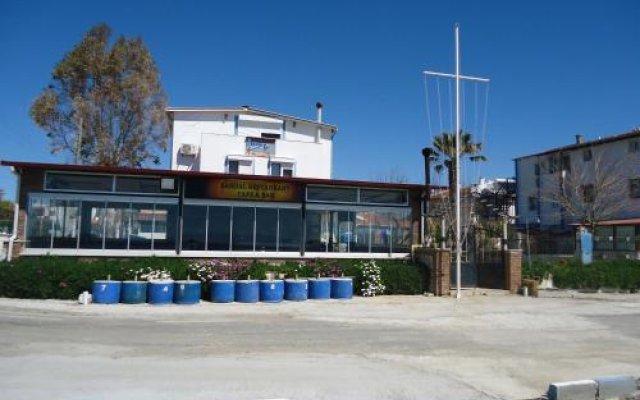 Bells Motel Турция, Урла - отзывы, цены и фото номеров - забронировать отель Bells Motel онлайн вид на фасад