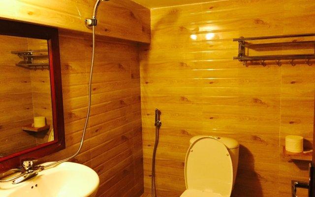 Отель Sapa Cheap Room Шапа ванная