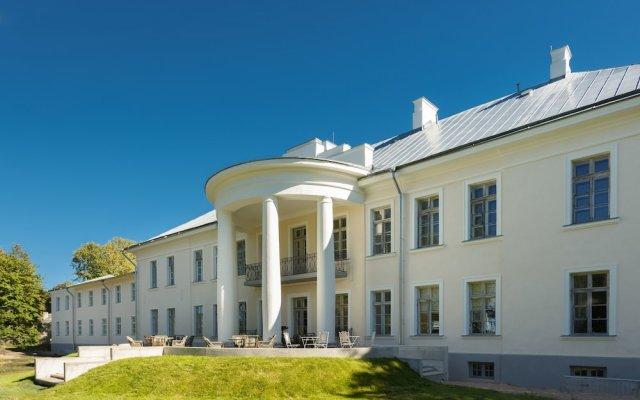 Kernu Manor