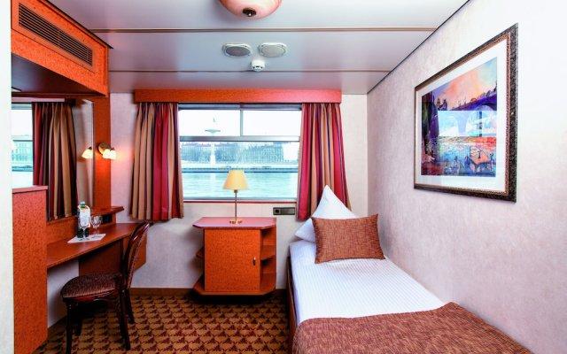 Отель Crossgates Hotelship 3 Star - Altstadt - Düsseldorf Дюссельдорф комната для гостей