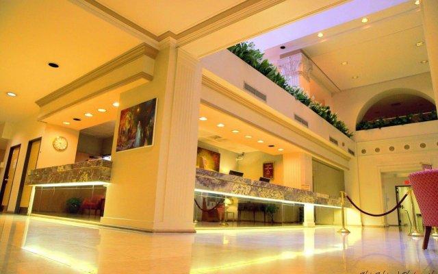 Отель The Mayfair Hotel Los Angeles США, Лос-Анджелес - 9 отзывов об отеле, цены и фото номеров - забронировать отель The Mayfair Hotel Los Angeles онлайн вид на фасад