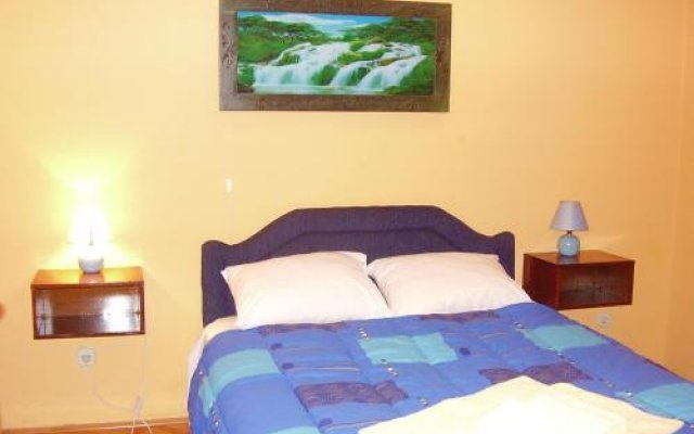 Apartments Pod Lozom in Petrovac, Montenegro from 82$, photos, reviews - zenhotels.com hotel front