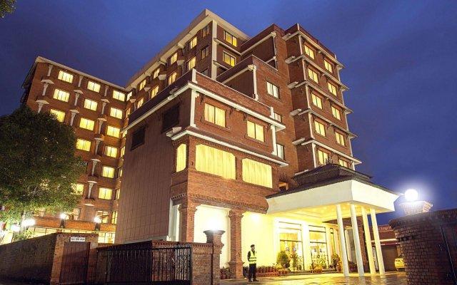 Отель Royal Singi Hotel Непал, Катманду - отзывы, цены и фото номеров - забронировать отель Royal Singi Hotel онлайн вид на фасад