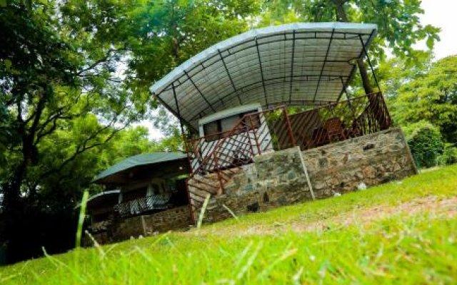 Отель Malwathu Oya Caravan Park вид на фасад