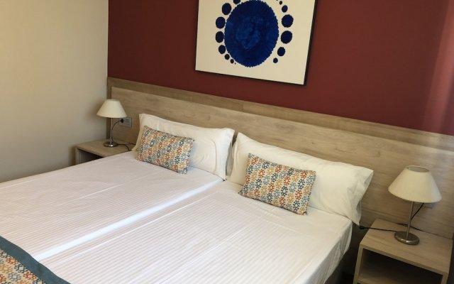 Отель Apartamentos Plaza Picasso Испания, Валенсия - 2 отзыва об отеле, цены и фото номеров - забронировать отель Apartamentos Plaza Picasso онлайн вид на фасад