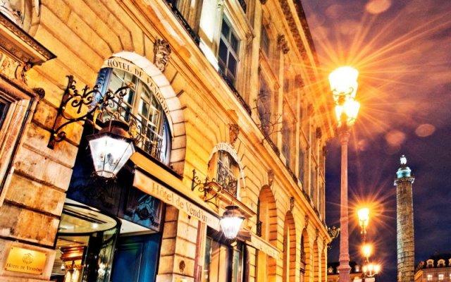 Отель Hôtel De Vendôme Париж вид на фасад