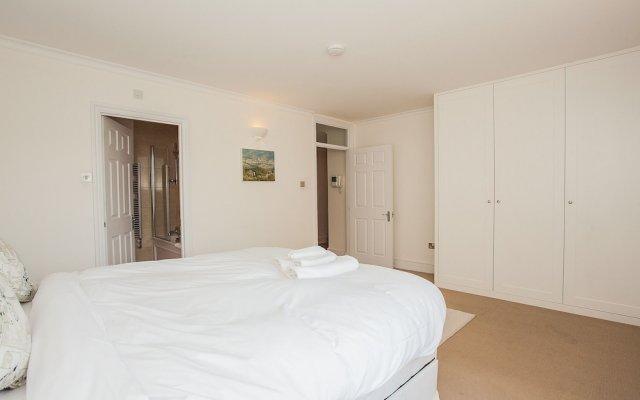 Отель Spacious South Kensington Penthouse комната для гостей