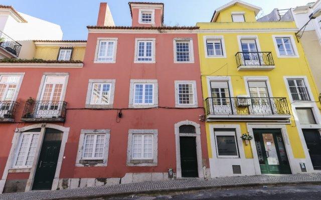 Отель Estrela Premium by Homing Лиссабон вид на фасад