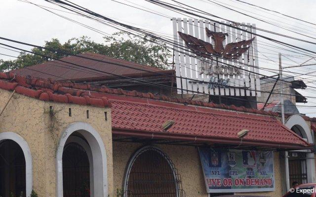 Отель Phoenix Hotel Филиппины, Пампанга - отзывы, цены и фото номеров - забронировать отель Phoenix Hotel онлайн вид на фасад