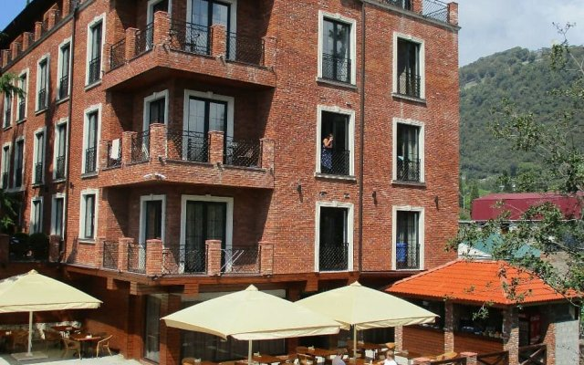 Afon Resort Hotel 0