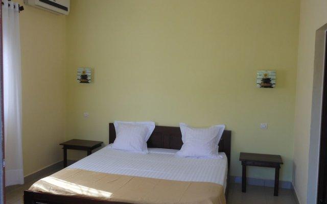 Saara Hotel