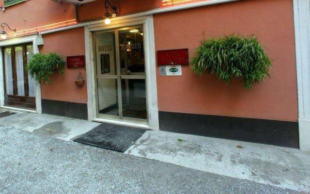 Отель ASSAROTTI Генуя вид на фасад