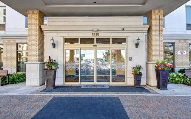 Отель Hampton Inn by Hilton Toronto Airport Corporate Centre Канада, Торонто - отзывы, цены и фото номеров - забронировать отель Hampton Inn by Hilton Toronto Airport Corporate Centre онлайн вид на фасад