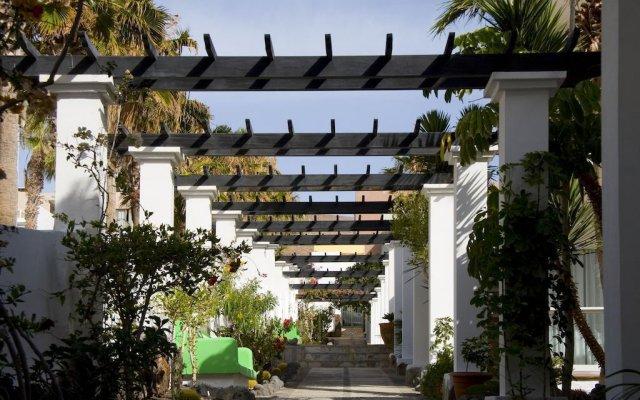 Отель Aparthotel Esquinzo Y Monte Del Mar вид на фасад