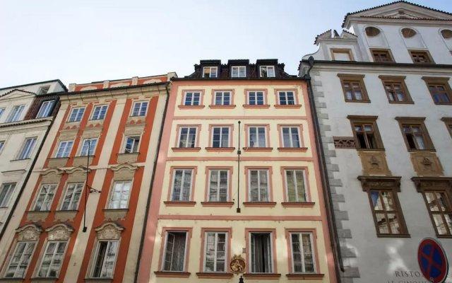 Апартаменты Melantrichova Apartment вид на фасад