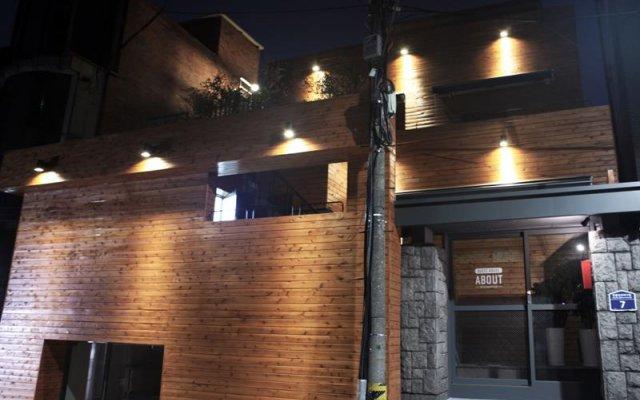 ABOUT - Hostel вид на фасад
