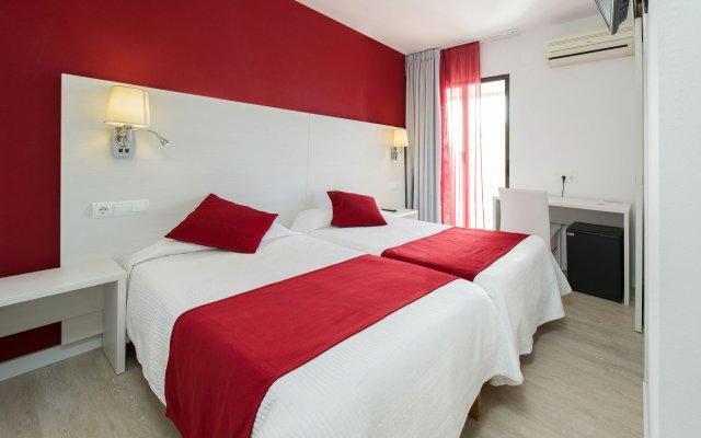 Отель Hostal Marino Испания, Сан-Антони-де-Портмань - 1 отзыв об отеле, цены и фото номеров - забронировать отель Hostal Marino онлайн комната для гостей