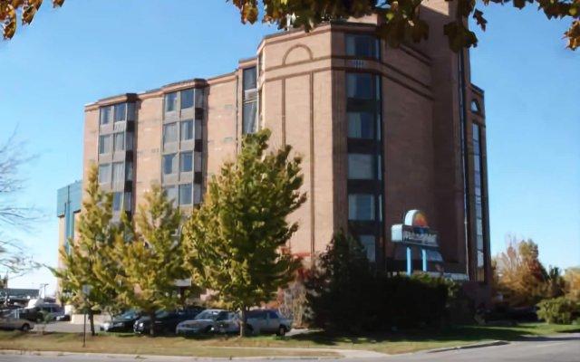 Отель WelcomINNS Ottawa Канада, Оттава - отзывы, цены и фото номеров - забронировать отель WelcomINNS Ottawa онлайн вид на фасад