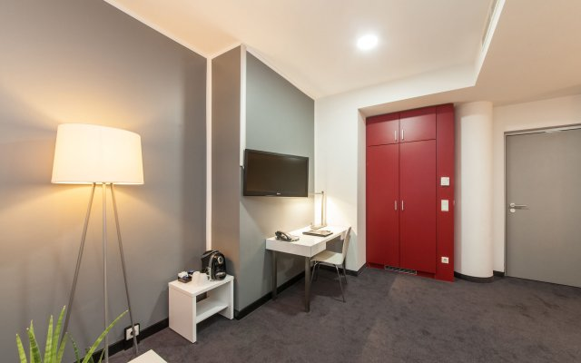 Select Hotel Berlin Gendarmenmarkt Берлин удобства в номере