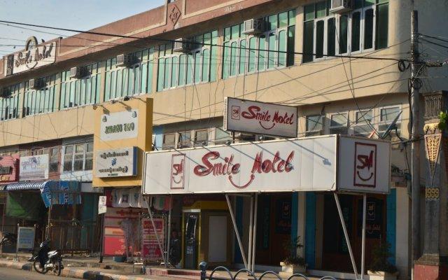 Отель Smile Motel Пром вид на фасад