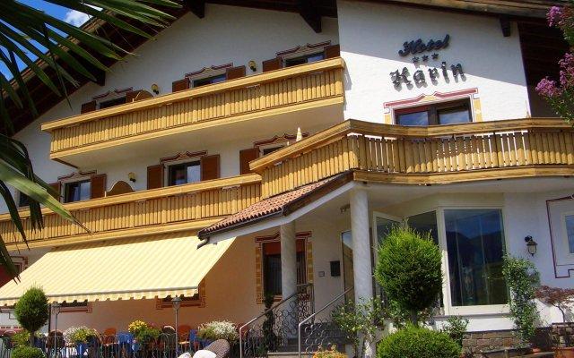 Hotel Karin Тироло вид на фасад