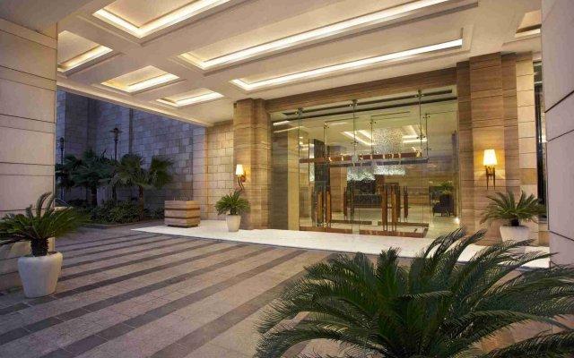 Отель Crowne Plaza New Delhi Mayur Vihar Noida вид на фасад