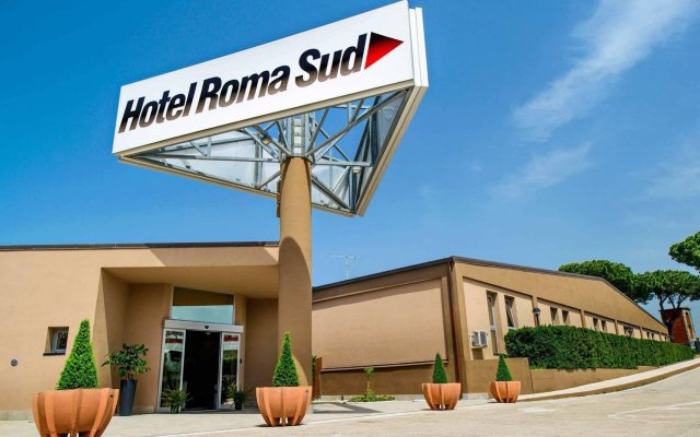 Hotel Roma Sud вид на фасад