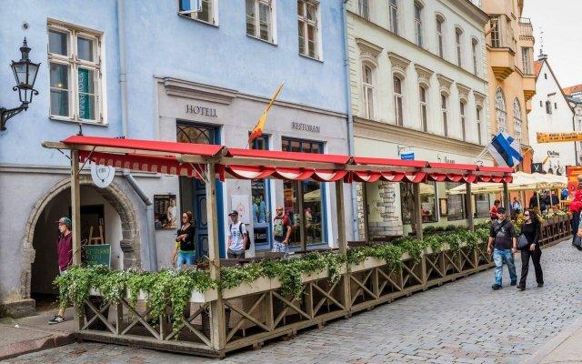 Отель CRU Hotel Эстония, Таллин - 6 отзывов об отеле, цены и фото номеров - забронировать отель CRU Hotel онлайн вид на фасад