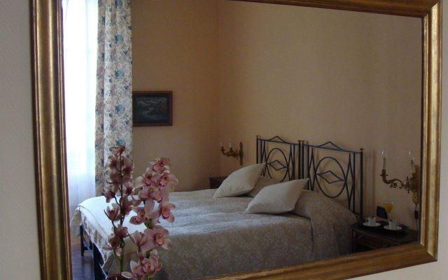 Отель Soggiorno Michelangelo комната для гостей