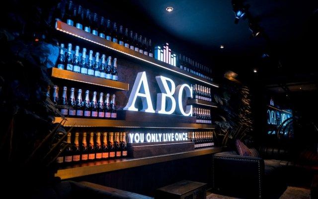 Отель ABC Hotel Филиппины, Пампанга - отзывы, цены и фото номеров - забронировать отель ABC Hotel онлайн вид на фасад