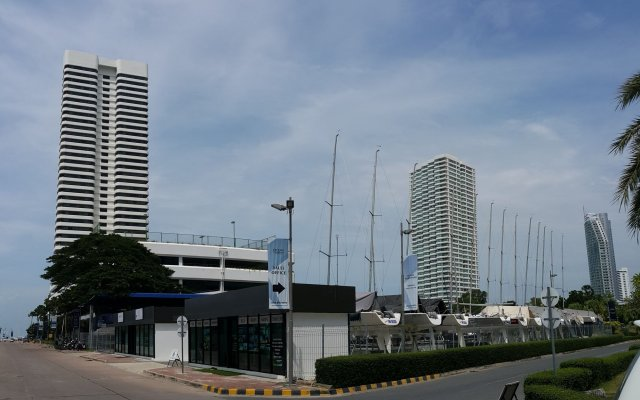 Отель Ocean Marina Yacht Club На Чом Тхиан вид на фасад