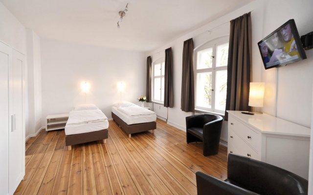 Апартаменты Old Town Apartments Greifswalder Strasse комната для гостей