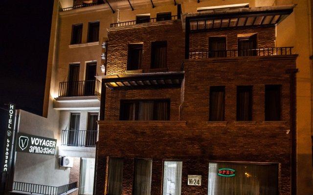 Отель Вояджер вид на фасад