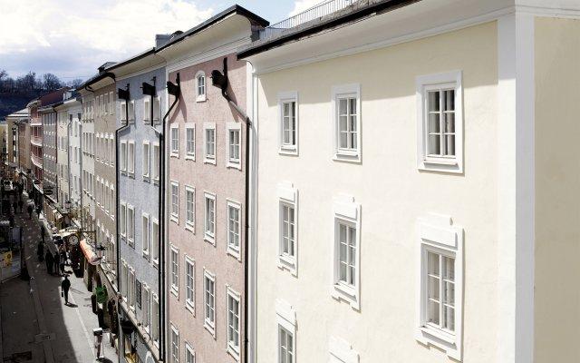 Отель Goldene Krone 1512 Зальцбург вид на фасад
