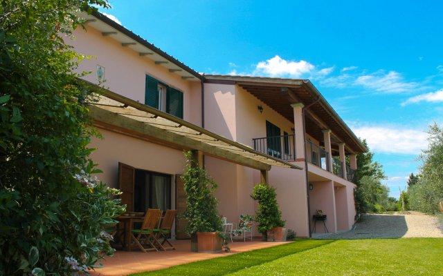 Отель Tuscany Roses Ареццо вид на фасад