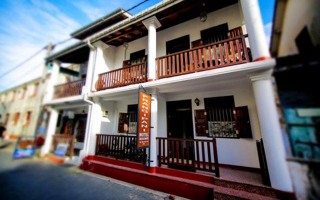 Отель Frangipani Motel Шри-Ланка, Галле - отзывы, цены и фото номеров - забронировать отель Frangipani Motel онлайн вид на фасад