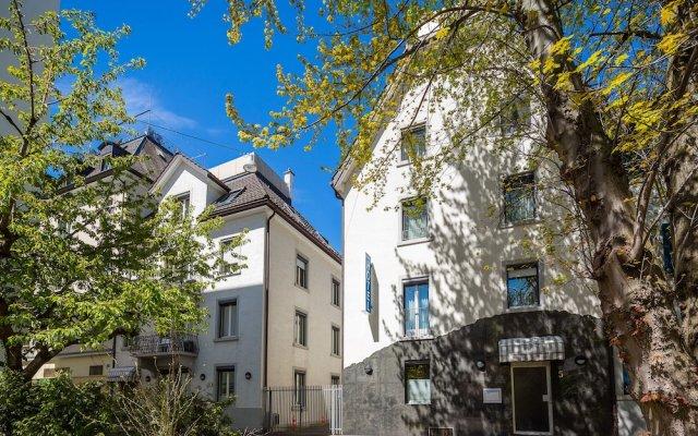 Отель APARTHOTEL Familie Hugenschmidt вид на фасад