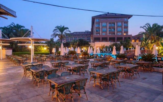 Sunis Kumköy Beach Resort Hotel & Spa – All Inclusive вид на фасад