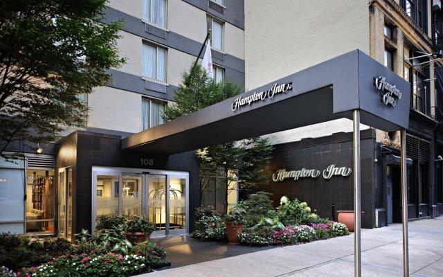 Отель Hampton Inn Manhattan Chelsea США, Нью-Йорк - отзывы, цены и фото номеров - забронировать отель Hampton Inn Manhattan Chelsea онлайн вид на фасад