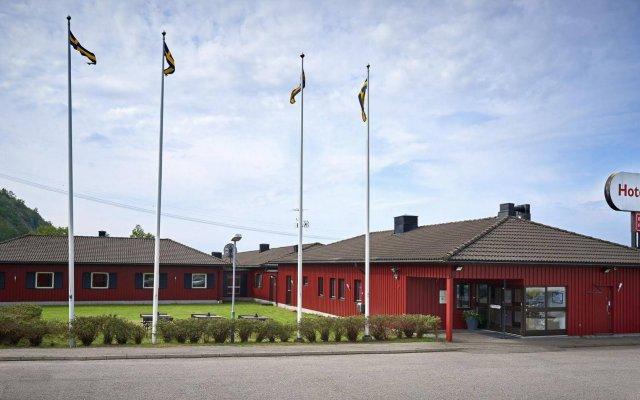 Отель Surte Швеция, Сурте - отзывы, цены и фото номеров - забронировать отель Surte онлайн вид на фасад