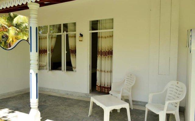 Отель Di Sicuro Inn Шри-Ланка, Хиккадува - отзывы, цены и фото номеров - забронировать отель Di Sicuro Inn онлайн вид на фасад