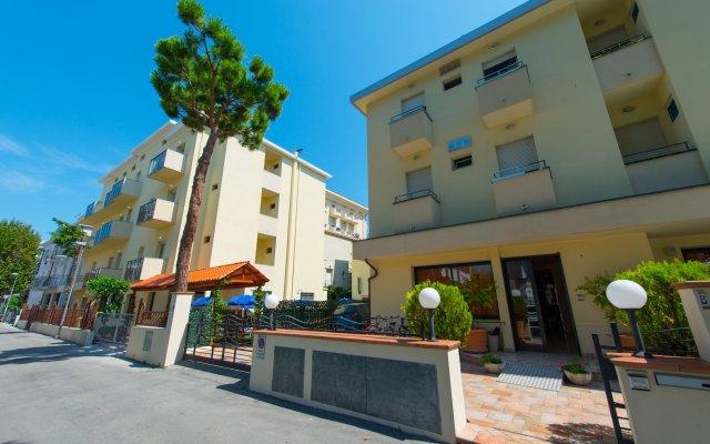 Hotel Vannucci вид на фасад